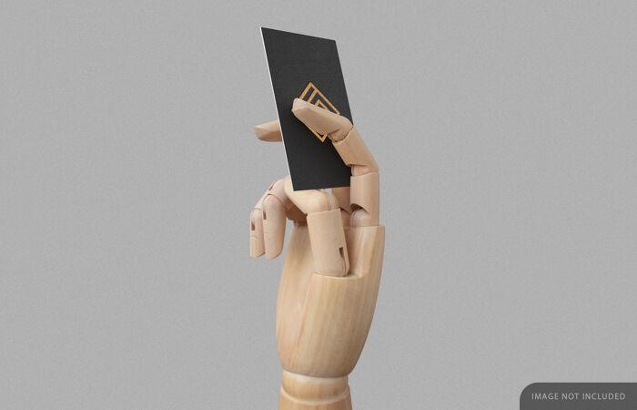 名片在木头手模型